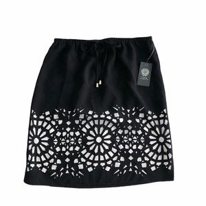 NWT Vince Camuto Floral Lined Skirt Size Small